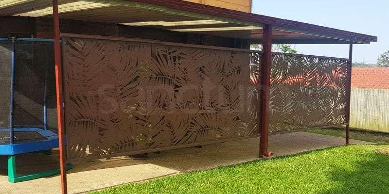 Palm Cove Holey Sheet screens showing cross rail installation