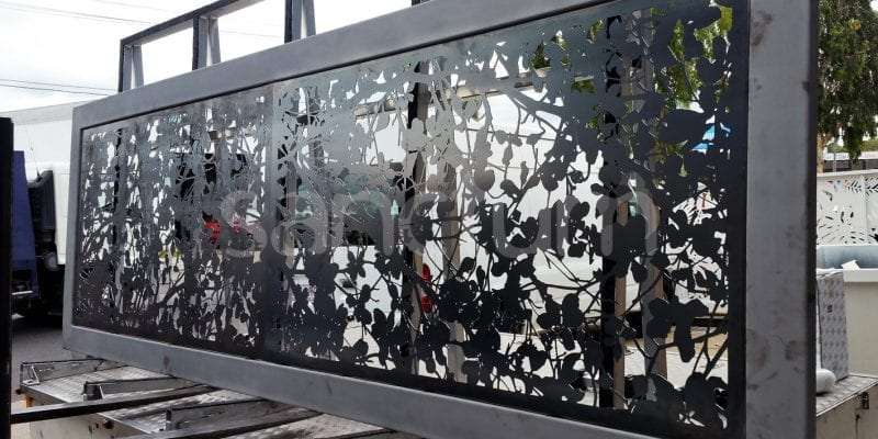 Florence oversize screens cut in corten steel